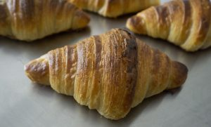 Naturally leavened croissant